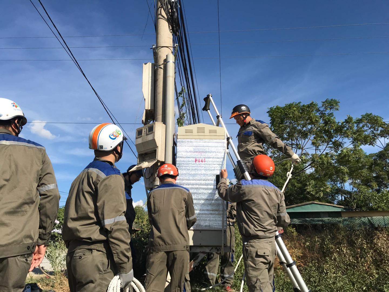 Các nhóm chuyên gia của đoàn ứng cứuphòng chống lụtbãoINF HO phối hợp cùng các nhân sự chi nhánh tiến hành khảo sát thực địa đánh giá các hạng mục xung yếu về hạ tầng có nguy cơ cao bị ảnh hưởng trực tiếp bởi cơn bão.