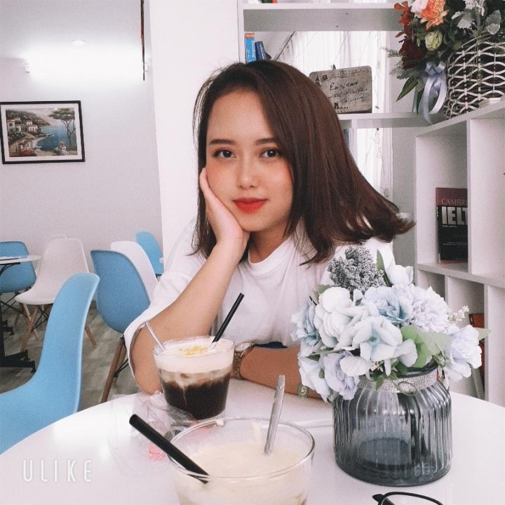 Nữ sinh 2K từng đạt giải Nhất cuộc thi ''Giai điệu tuổi hồng toàn quốc lần thứ 11'' năm 2015 tại thành phố Đà Nẵng; Giải Nhất đơn ca cuộc thi ''Giai điệu tuổi hồng tỉnh Thái Nguyên năm 2015 và 2017''; Giải Nhất của cuộc thi ''Chỉ huy đội giỏi tỉnh Thái Nguyên'' các năm năm 2013.