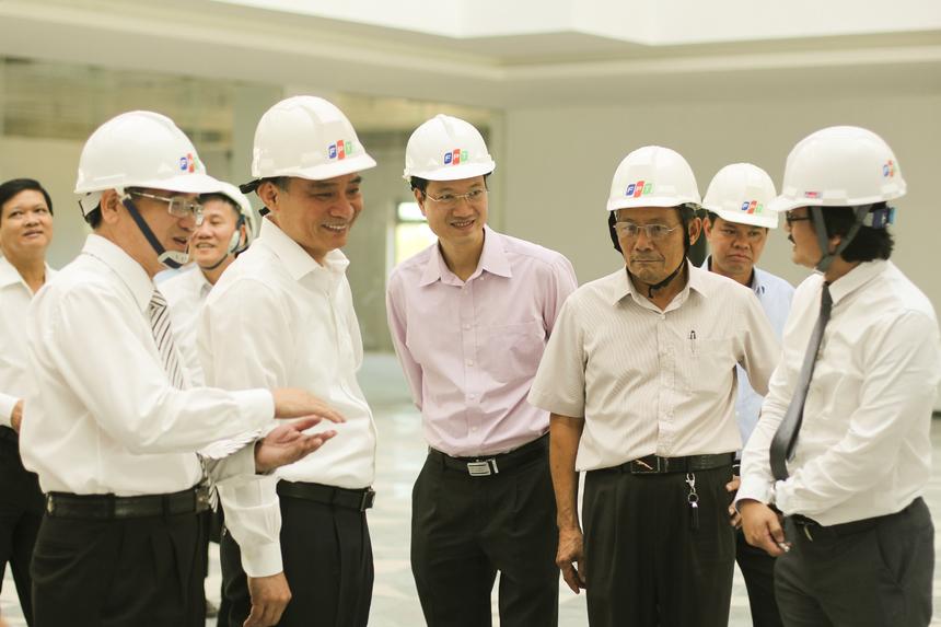 Bí thư Thành ủy Đà Nẵng Trương Quang Nghĩa hài lòng với định hướng cũng như những hành động cụ thể của FPT trong việc hiện thực hóa khu đô thị công nghệ và giáo dục.