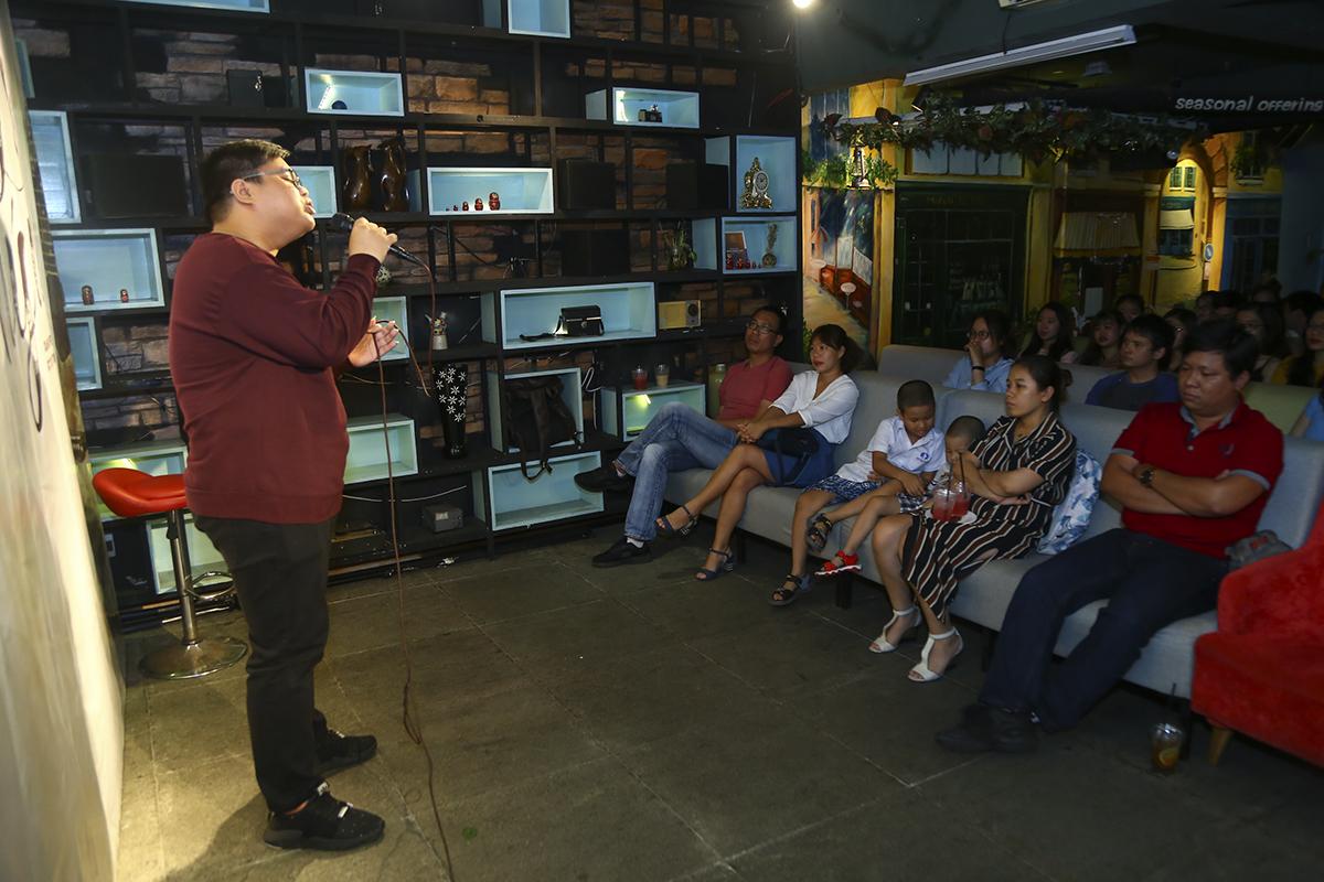 Anh Nguyễn Kim Long, Trưởng phòng Văn hóa - Đoàn thể cho biết với sự gia tăng số lượng lớn CBNV, trong thời gian tới Sen Đỏ hứa hẹn sẽ còn phát hiện nhiều tài năng âm nhạc hơn nữa.