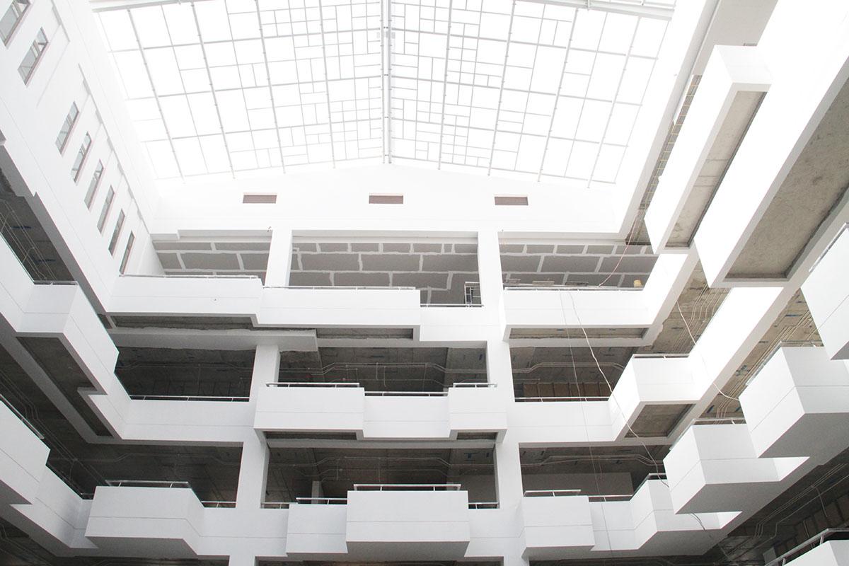 Ý tưởng thiết kế Campus xuất phát từ ngôn ngữ Pixel kỹ thuật số - một trong những biểu tưởng của sự phát triển công nghệ thông tin, phát triển từ hình vuông cơ bản theo đơn nguyên. Kết hợp với sự sắp xếp vị trí và kích thước Pixel một cách có chủ đích tạo nên một chuỗi chuyển động có nhịp điệu trên tổng mặt bằng.