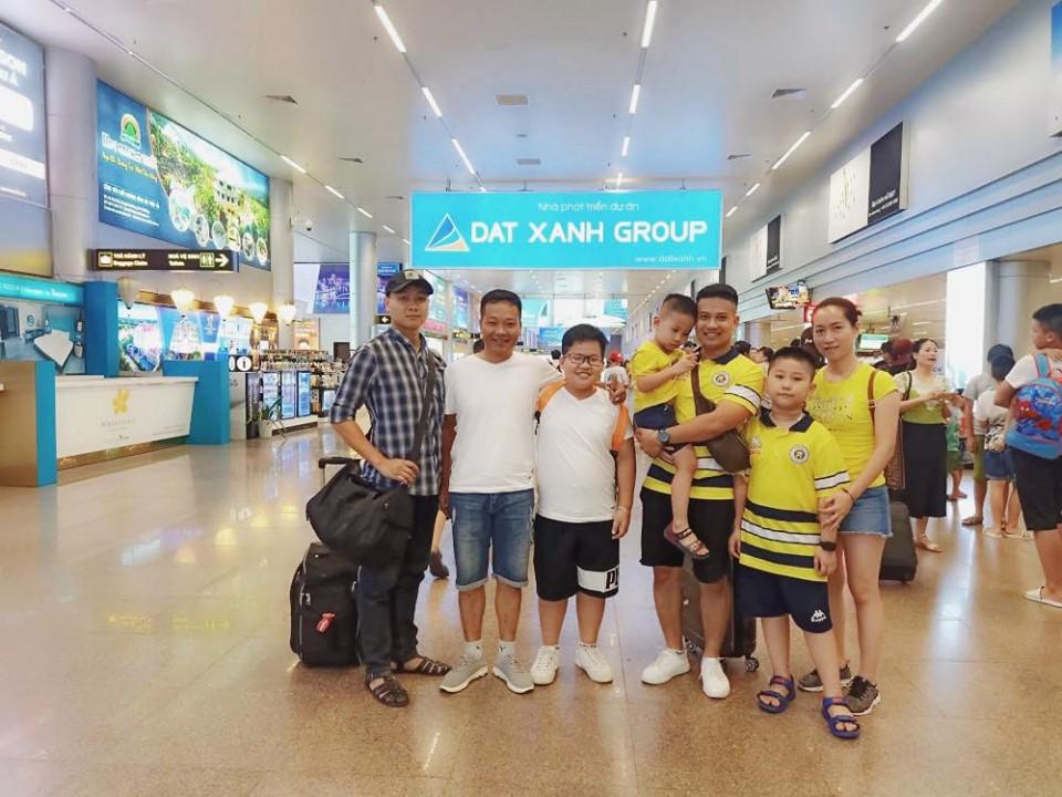 Tập thể cán bộ, giảng viên FPT Edu đi nghỉ mát ở Đà Nẵng.