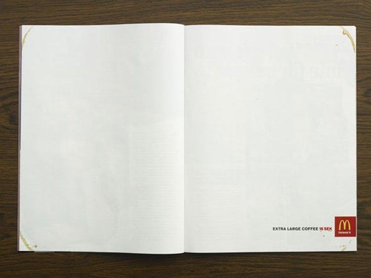 Cafe cỡ đại của McDonald quá lớn để quảng cáo trên hai trang giấy. Người ta chỉ có thể nhìn được vài vết đồ uống dính trên góc giấy mà thôi.