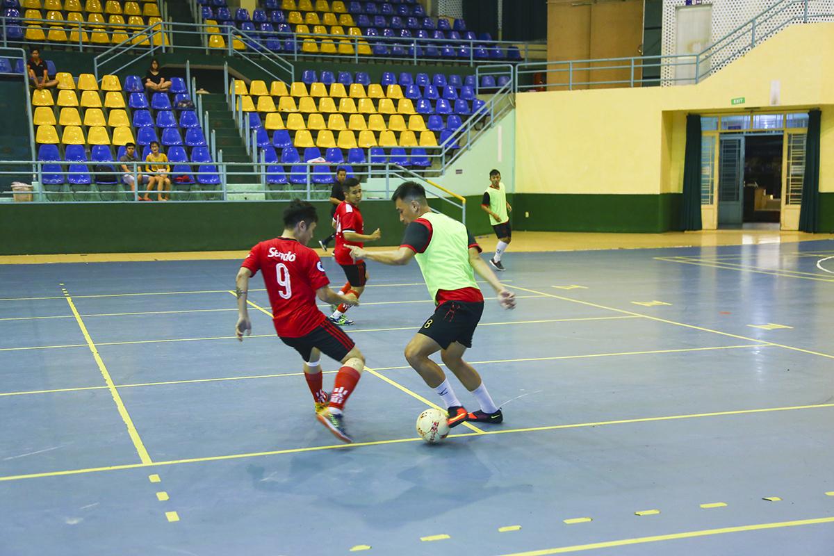 Ở lượt trận thứ 2 vòng bảng Futsal HCM 2019, Sen Đỏ (áo đỏ) đứng trước cơ hội lần đầu lọt vào bán kết của giải khi đã có 3 điểm trong tay và chỉ cần giành thêm 1 trận thắng nữa.