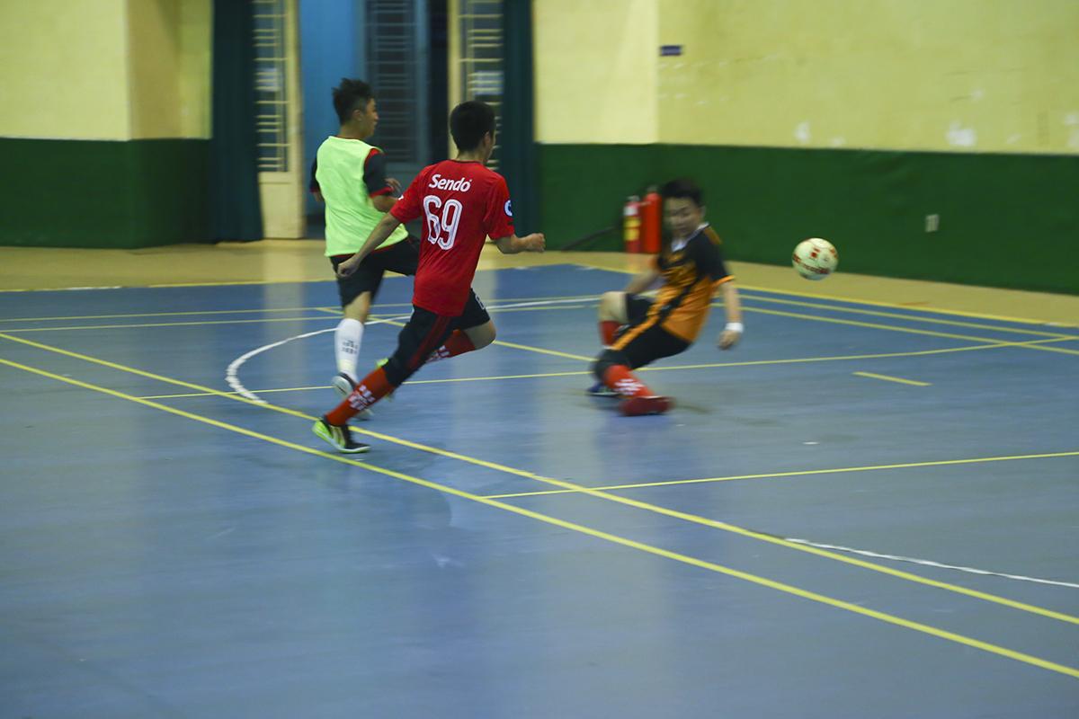 Ở trận đấu này, với sự linh hoạt của cầu thủ Bùi Đức Nhuận, FPT Reatil thi đấu tốt hơn so với trận đấu trước.