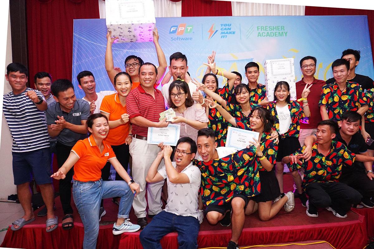 Với tinh thần sẵn sàng lăn xả và trí thông minh, các chàng trai cô gái của Đại học Bách khoa Đà Nẵng đã giành chiến thắng chung cuộc.