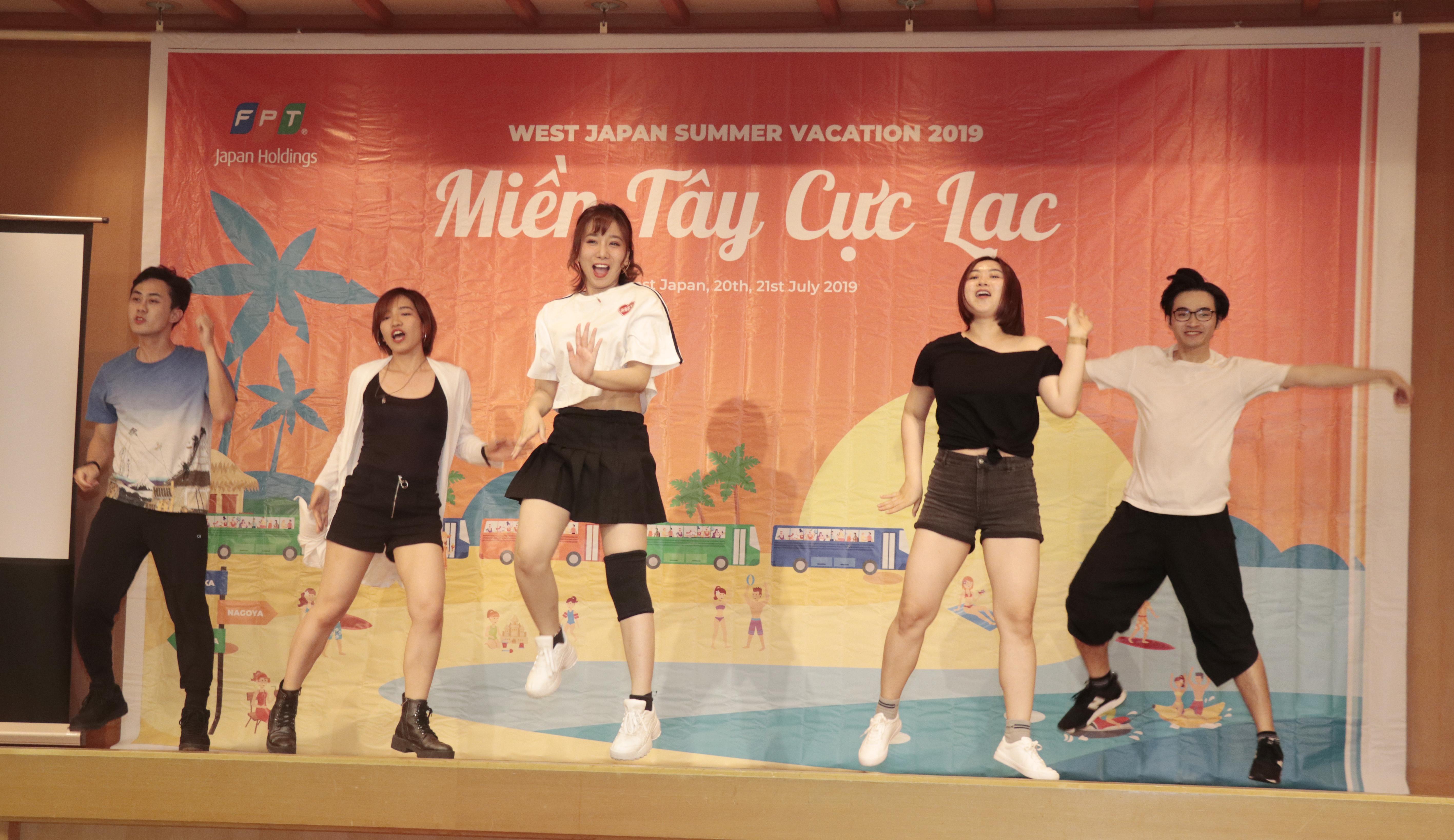 Đêm galađọng lại trong CBNV nhiều cảm xúc về nét văn hóa độc đáo và sự đoàn kết của người FPT. Đây là dịp để các tài năng FPT Japan tỏa sáng trên sân khấu. Nhiều người bày tỏ bất ngờ khi chứng kiến đồng nghiệp có tài năng hát, nhảy. Theo Ban Giám khảo, các tiết mục trong đêm diễn thể hiện nhiều khía cạnh khác nhau của FPT Japan. Không trùng lặp về nội dung, hài hước và sáng tạo khiến khán giả có mặt tại sự kiện hào hứng theo dõi và cổ vũ không ngớt.