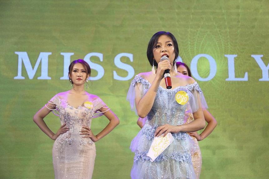"""Với câu hỏi """"Vấn đề xã hội nào mà em quan tâm nhất hiện nay?"""", thí sinh Trịnh Thị Phương Oanh đã đề cập đến nạn bạo hành và lạm dụng tình dục trẻ em. Phần trả lời này đã nhận điểm 8 từ Hoa hậu Khánh Ngân."""
