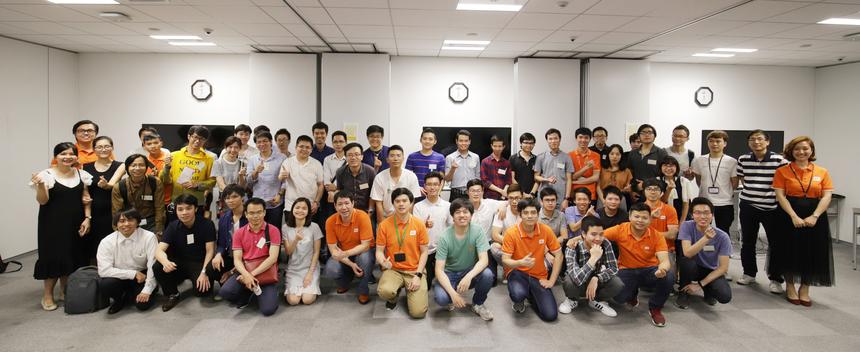 """Theo BTC, trong thời gian ngắn, các nhóm đã hoàn thành được các tính năng cơ bản của trang web nhờ ứng dụng nền tảngOutSystems. Trong khi, lập trình truyền thống mất 1-2 ngày. Anh Huỳnh Đạt hiện làm việc tại một công ty Nhật cho biết, sự kiện mang lại rất nhiều thông tin bổ ích cho lập trình viên về OutSystems.Điểm mạnh của OutSystems là low-code, design màn hình nhanh, có hỗ trợ work-flow bên trong. Trước đó, FPT Japan đã tổ chức hội thảo """"Tech Meetup: The Future Of Car Technologies""""thu hút đông đảo khách tham dự đến từ nhiều công ty Nhật Bản."""