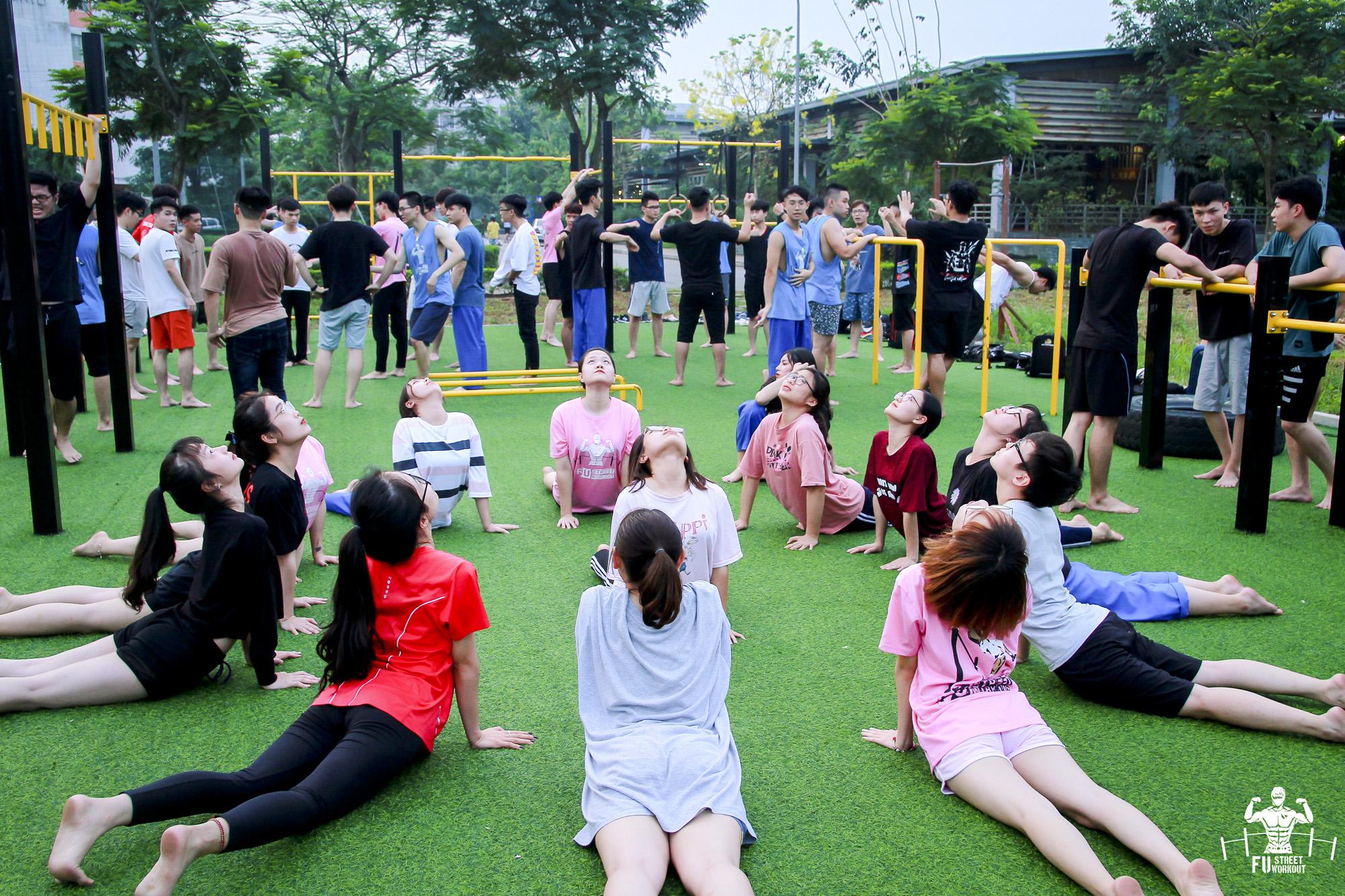 Theo Lê Trung Đức (sinh viên ngành Quản trị Kinh doanh, Chủ nhiệm CLB), FU Street Workout hiện có khoảng hơn 10 thành viên nữ tham gia tập luyện.