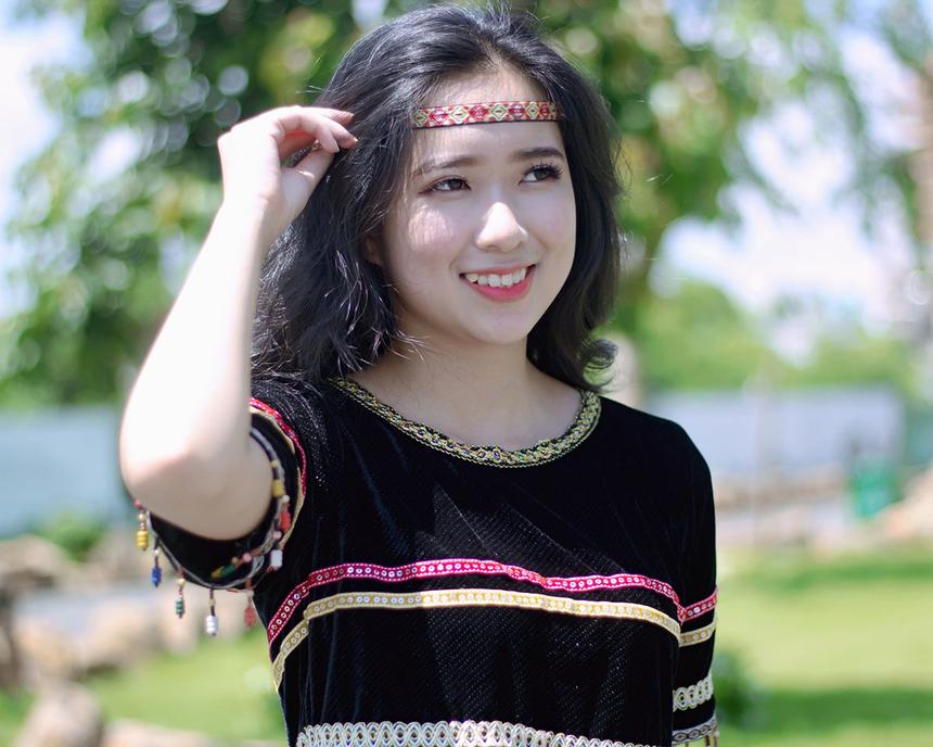 Trải qua hơn một tháng tranh tài, Thùy Mỹ là thí sinh gây ấn tượng mạnh tại Miss Poly Tây Nguyên (FPT Polytechnic Tây Nguyên).