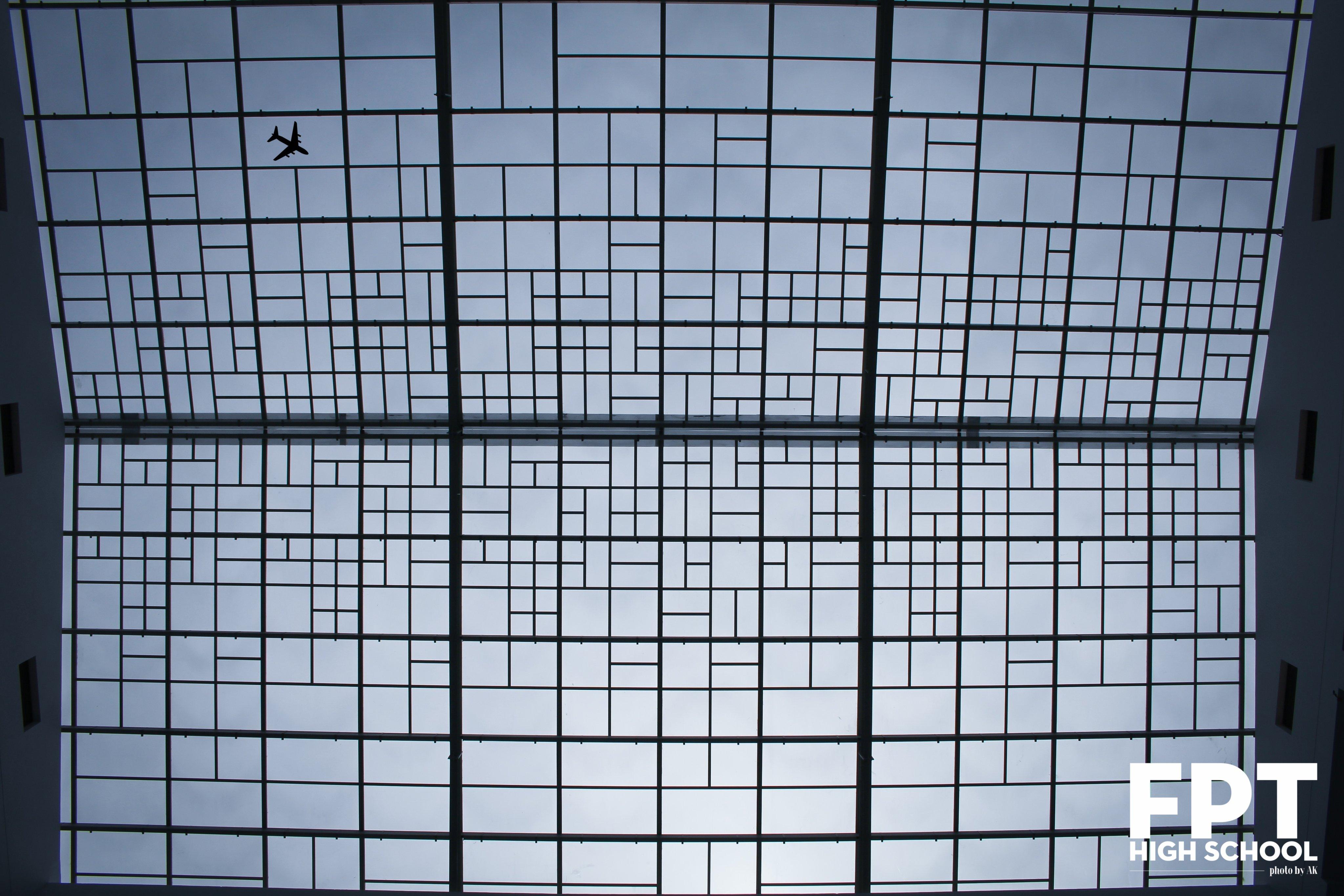 Hệ thống mái che được áp dụng các thiết kế xanh vào công trình sẽ tận dụng được ánh nắng, gió để đem lại bầu không khí dễ chịu và trong lành.