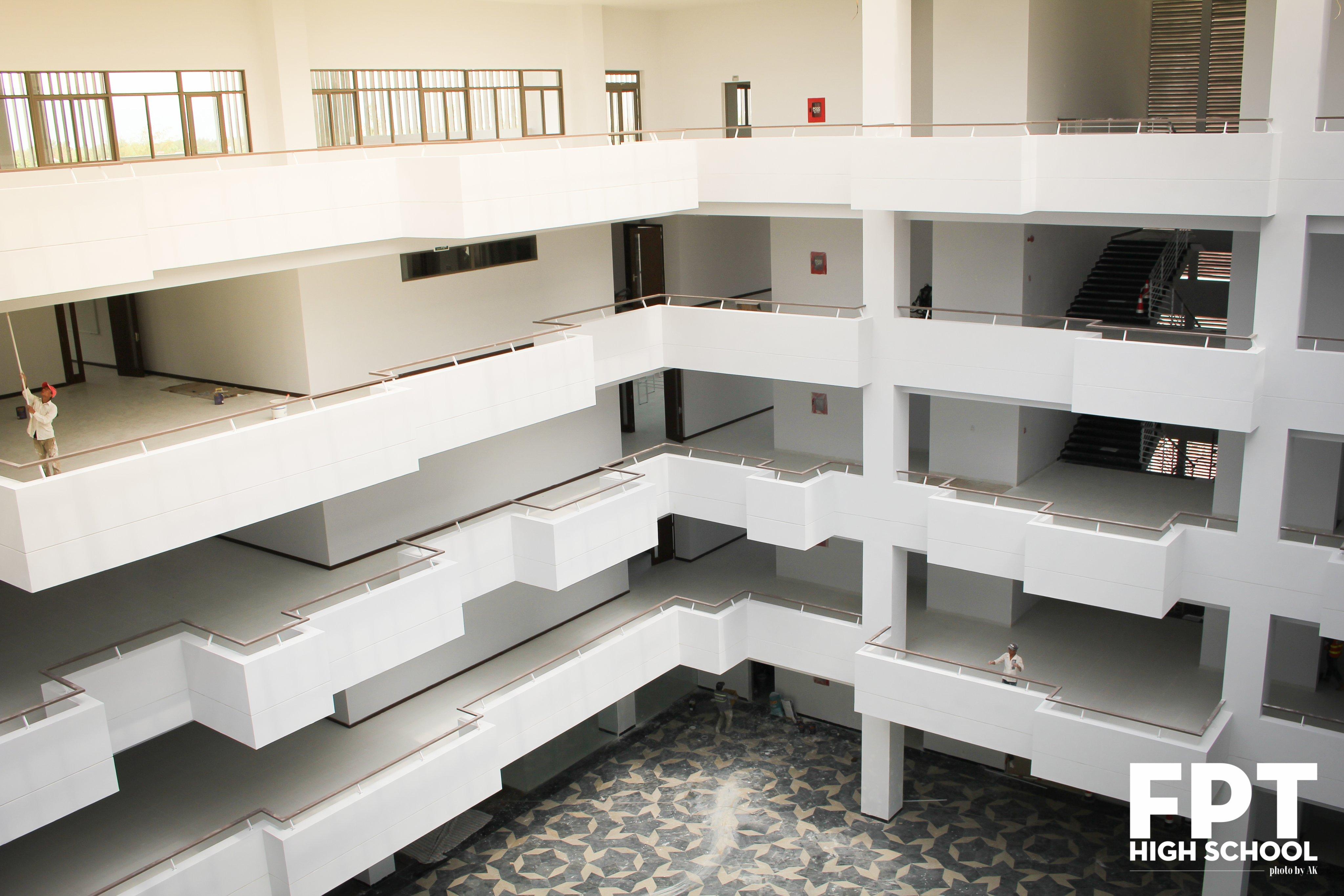ĐH FPT cơ sở Đà Nẵng cũng bắt đầu học tập ở môi trường mới vào ngày 9/9. Nhà trường cũng đã gửi thông báo đến toàn thể cán bộ và giảng viên về kế hoạch chuyển văn phòng mới.