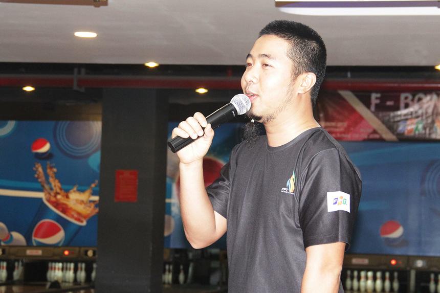 Anh Nguyễn Hữu Phong, Ban Văn hóa - Đoàn thể FPT Software Đà Nẵng, thông báo ngắn gọn về điều lệ cũng như một số lưu ý trước khi 16 đội bước vào tranh tài. Anh hy vọng sân chơi tạo ra những giây phút thư giản và giao lưu giữa các vận động viên.