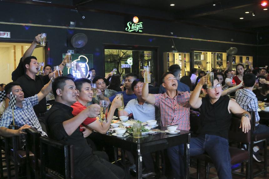 """Sau thành công của Men's Day 2018, nhà Giáo dục tiếp tục mang đến một bữa tiệc tinh thần hoành tráng ở ngày hội được phái mạnh chờ đợi nhất trong năm với chủ đề """"Đường cong 20"""". Diễn ra vào tối 2/8 tạiLas Vegas Club, chương trìnhđược phối hợp tổ chức bởi phòng Văn hóa và Đoàn thể cùng các đơn vị FPT Edu."""