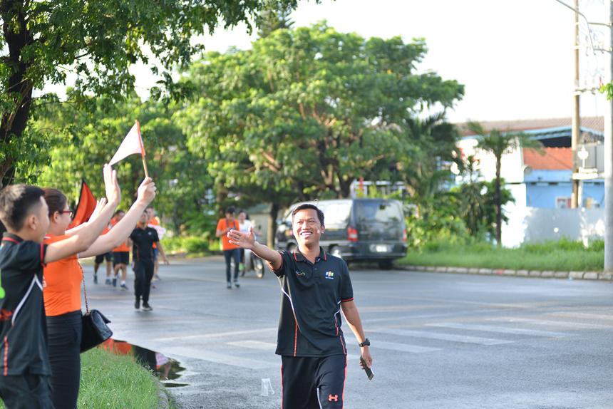 """Chương trình là sự tiếp nối năng lượng, tiếp nối sự tự hào từ chương trình """"Hành trình kết nối 2018"""".""""Chúng tôi tin chắc rằng một tổ chức có nhiều thành viên trẻ, mạnh mẽ về thể lực và tinh thần thì tổ chức đó chắc chắn sẽ phát triển"""", TGĐ Hoàng Việt Anh nhấn mạnh."""