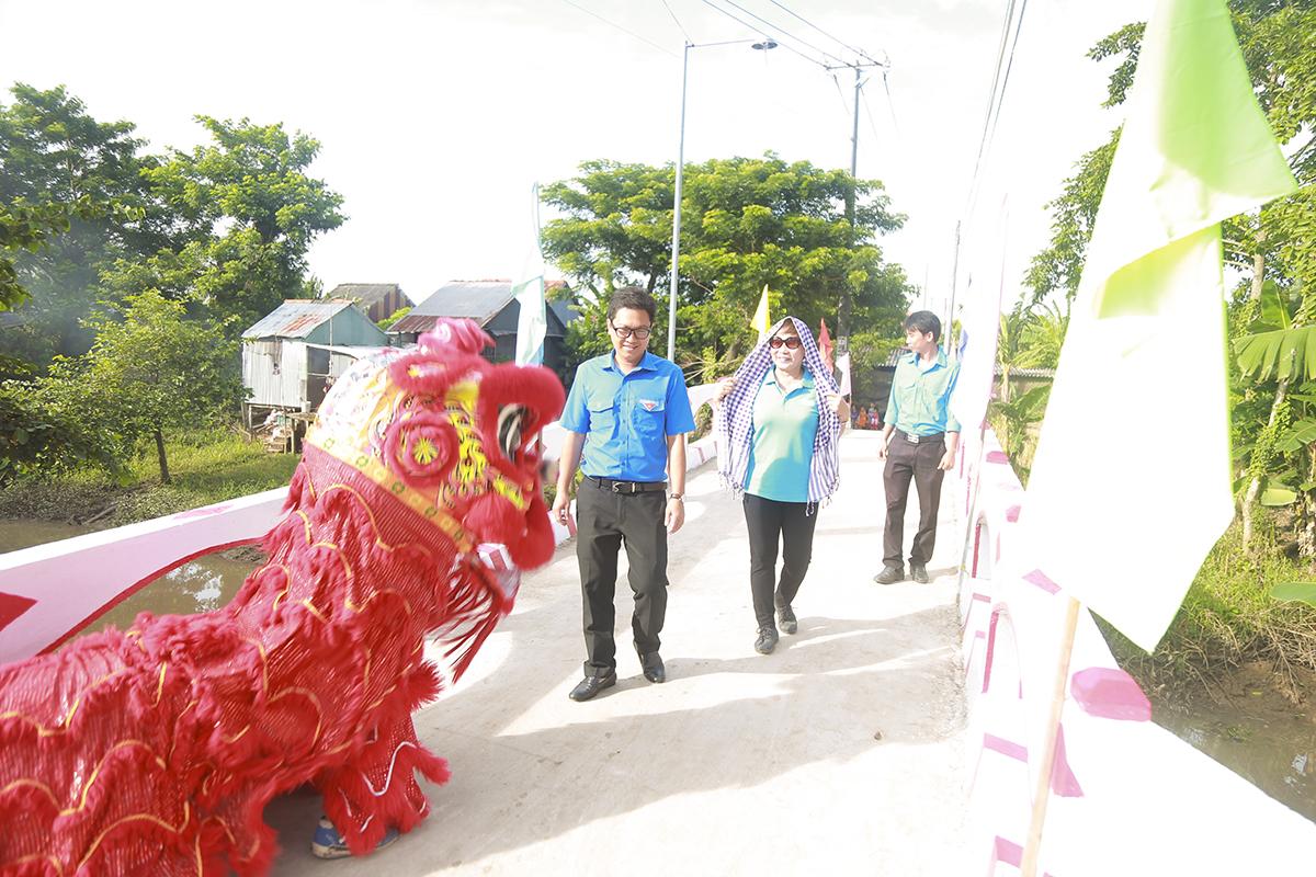Trong đợt này, tỉnh An Giang có 4 cây cầu được khánh thành gồm: Út Chuồng (Hy Vọng 26), cầu Ngang Ấp Trung (Hy Vọng 23), Kiến Thiết (Hy Vọng 29), Miếu Ông Hổ (Hy Vọng 28) trên địa bàn huyện Chợ Mới và TP Long Xuyên.