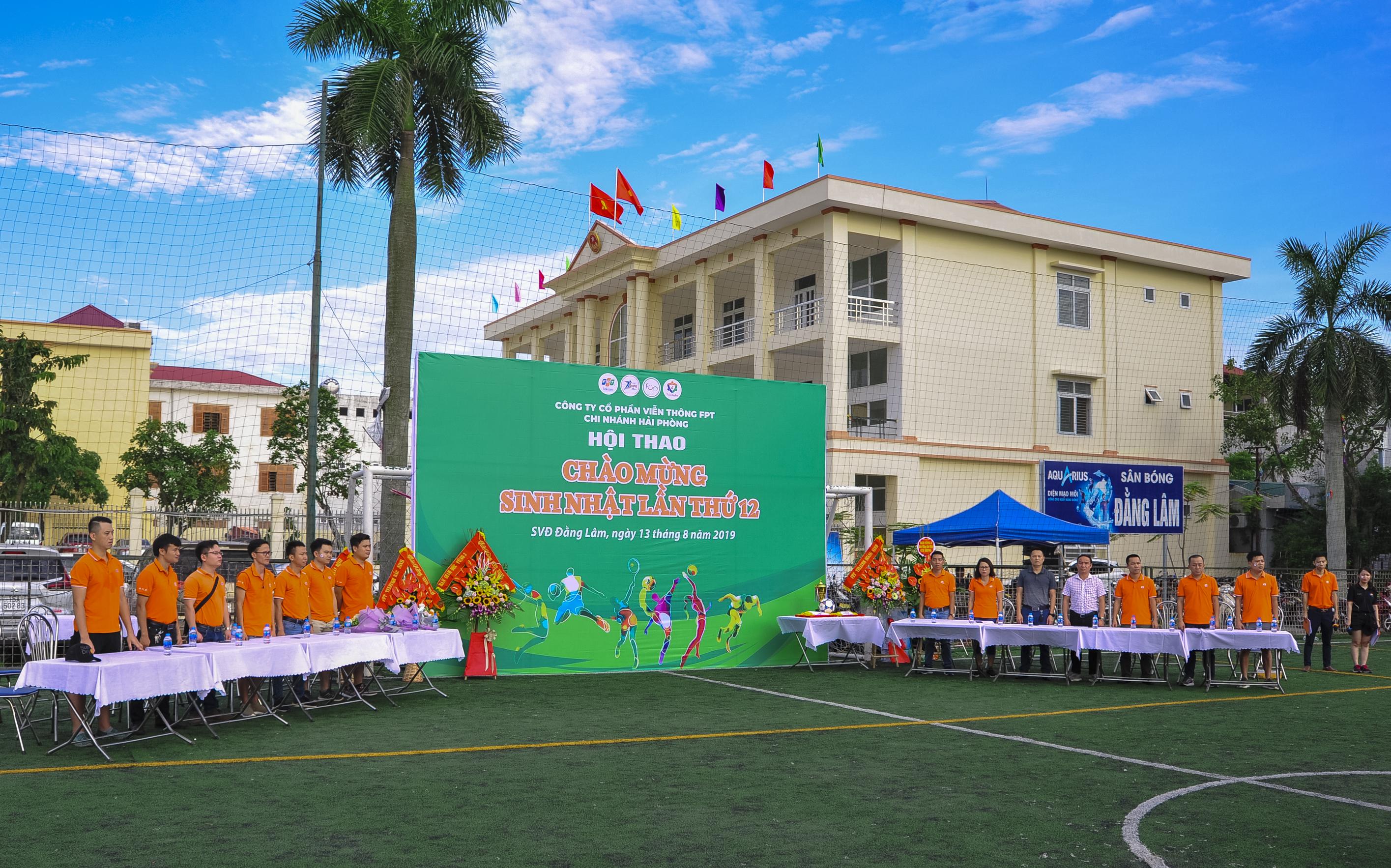 Hội thao kỷ niệm 12 năm thành lập FPT Telecom chi nhánh Hải Phòng diễn ra tạivận động Đằng Lâm, Hải An (Hải Phòng),với 300 CBNV. Đây là sự kiện thu hút nhiều CBNV nhất của chi nhánh từ trước tới giờ.