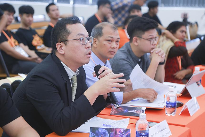 Giáo sư Hsiang-Chen Wang, Đại học quốc gia Chung Cheng (Đài Loan) xoáy sâu vào khả năng phát triển của ứng dụng, không chỉ dừng lại ở việc nhận diện người sử dụng phương tiện giao thông có sử dụng mũ bảo hiểm hay không.