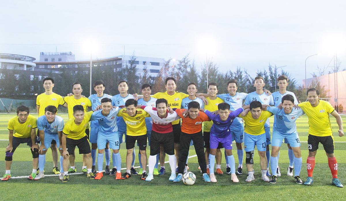 """Đây là lần đầu tiên tuyển bóng đá FPT Đà Nẵng và FPT HCM giao lưu cùng nhau. Đội bóng FPT Đà Nẵng mới thành lập vào tháng 6/2018. Hoạt động của đội tuyển là tập luyện chuyên sâu, thi đấu cọ xát trong đội và tham gia giao lưu với các đơn vị FPT cũng như những giải đấu ngoài, đặc biệt hỗ trợ công tác tổ chức giải Cup 13/9 miền Trung. Tháng 11/2018, đội tham gia giải từ thiện """"Mùa đông ấm"""" nhưng phải dừng chân ở tứ kết. Trong khi đó, tuyển FPT phía Nam có truyền thống tham gia các giải đấu phong trào và giao hữu. Điển hình năm 2016, đội bóng phía Nam và đội HAT - sáng lập bởi ca sĩ Tuấn Hưng đã thi đấu trên sân FPT Telecom, tòa nhà Tân Thuận 1, KCX Tân Thuận, TP HCM. Năm 2015, trận bóng đá giao hữu giữa tuyển phía Nam và đội cựu tuyển thủ Việt Nam cũng đã diễn ra trên sân Công an thành phố, quận Tân Phú, nhân dịp kỷ niệm FPT HCM tròn 25 tuổi..."""