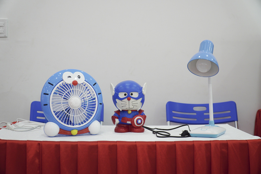 Ứng dụng giúp vận hành các thiết bị thông qua việc điều khiển chú mèo máy Doraemon bằng giọng nói tiếng Việt. Nhóm sinh viên cho biết trong thời gian tới, nhóm sẽ tiếp tục thu thập giọng nói từ nhiều vùng miền và mở rộng số câu lệnh để nâng cấp hệ thống.