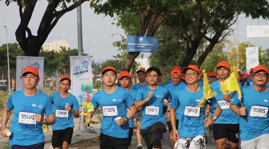 Anh Nguyễn Hữu Nam, đơn vị FIN.AF, đặt mục tiêu hoàn thành đường chạy để nâng cao sức khỏe và thử thách bản thân ở bộ môn thể thao mới. Anh cho biết, chạy đang trở thành trao lưu và thu hút một bộ phận người FPT Software Đà Nẵng tham gia tích cực cũng như thường xuyên.