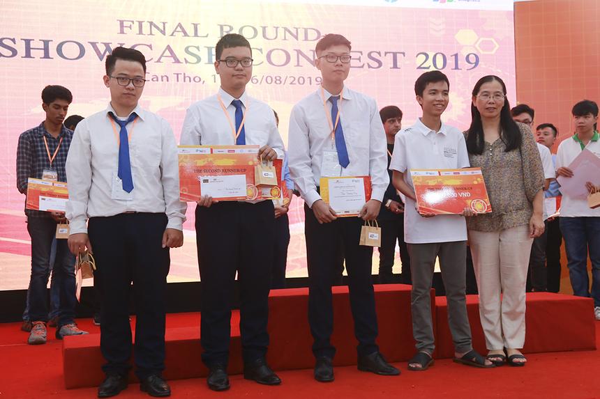Hai sản phẩm Attendance taking support system (ĐH FPT Hà Nội) và Magic bin (ĐH FPT HCM) giành giải Ba của cuộc thi.