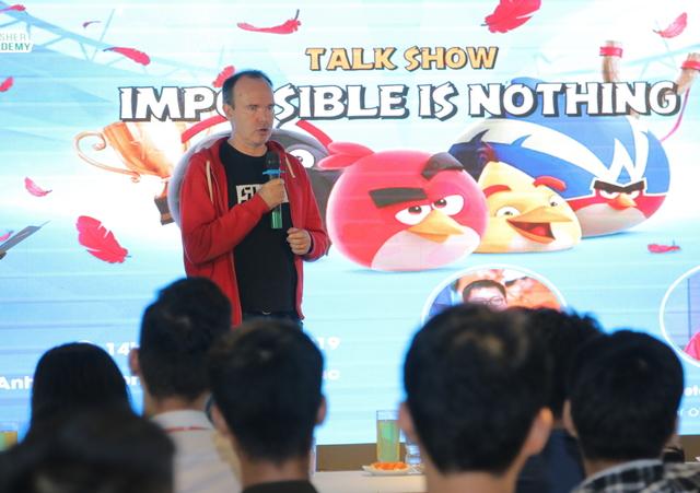 Peter Vesterbacka phát biểu tại sự kiện.