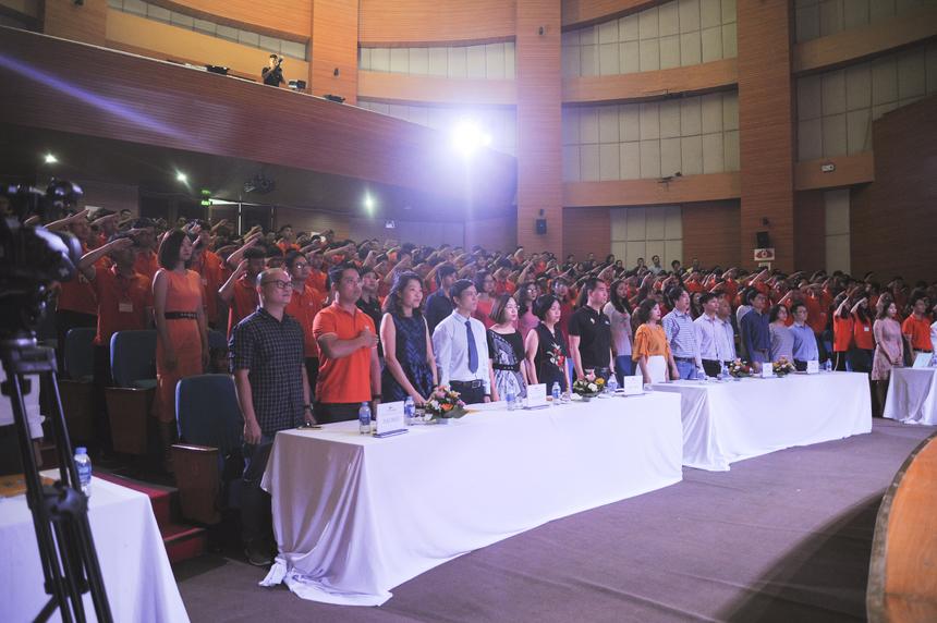 Tham dự lễ khi khai giảng có Giám đốc FPT Polytechnic Vũ Chí Thành, Giám đốc điều hành Hệ 9+ FPT Polytechnic Bùi Quang Hùng, lãnh đạo các cấp của Tổ chức Giáo dục FPT cùng các thầy cô giáo, phụ huynh và gần 300 tân sinh viên.