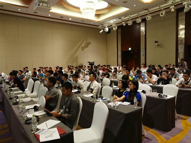 """""""Openinfra Days 2019"""" diễn ra ngày 24/8 tại khách sạn International, Hà Nội với hơn 400 người tham dự và 30 diễn giả trình bày đến từ Việt Nam, Đức, Mỹ, Nhật Bản, Hàn Quốc, Hungary…"""