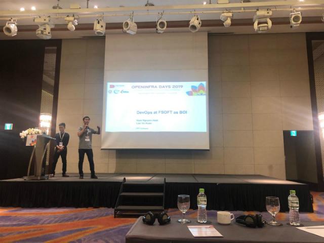 Anh Nguyễn Hoài Nam (FHO.PID) trình bày về kiến trúc DevOps tại FPT Software và kết quả đạt được khi kết hợp với OpenStack.