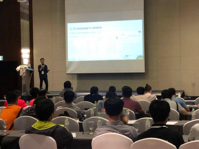 Anh Vũ Xuân Lộc (FHO.PID) chia sẻ các kinh nghiệm khi sử dụng Jenkins trên môi trường công ty lớn và giới thiệu 2 công cụ nhóm tự phát triển bao gồm Jenkins-exporter và Sonar-exporter để theo dõi tài nguyên trên phần mềm Sonar và Jenkins.
