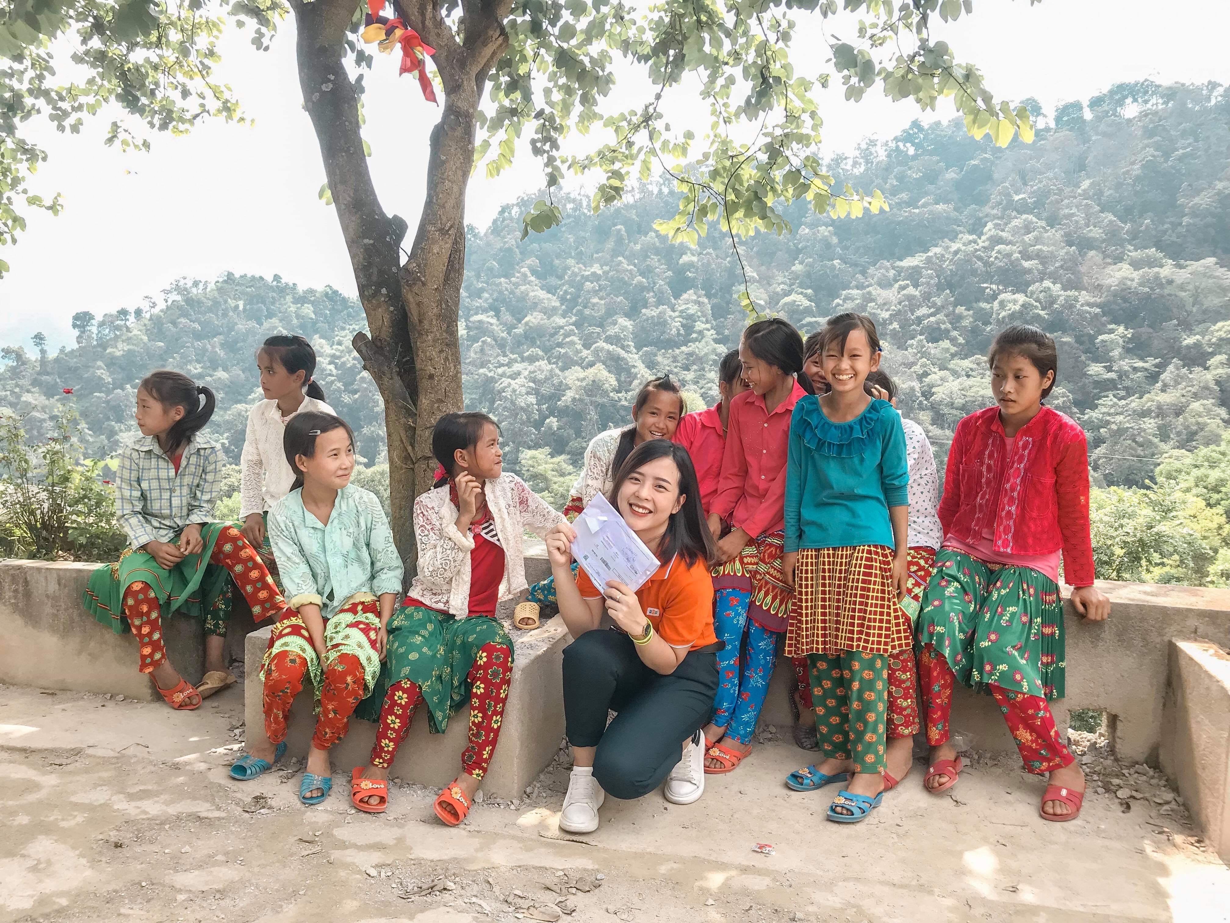 Trong ba ngày 23 -25/8, đoàn FPT Software tổ chức chương trình thiện nguyện tại Trường Phổ thông dân tộc bán trú THCS Khâu Vai, xã Khâu Vai, huyện Mèo Vạc, tỉnh Hà Giang. Chương trình nằm trong chuỗi hoạt động Hướng về quê hương do Quỹ người FPT vì cộng đồng phát động.