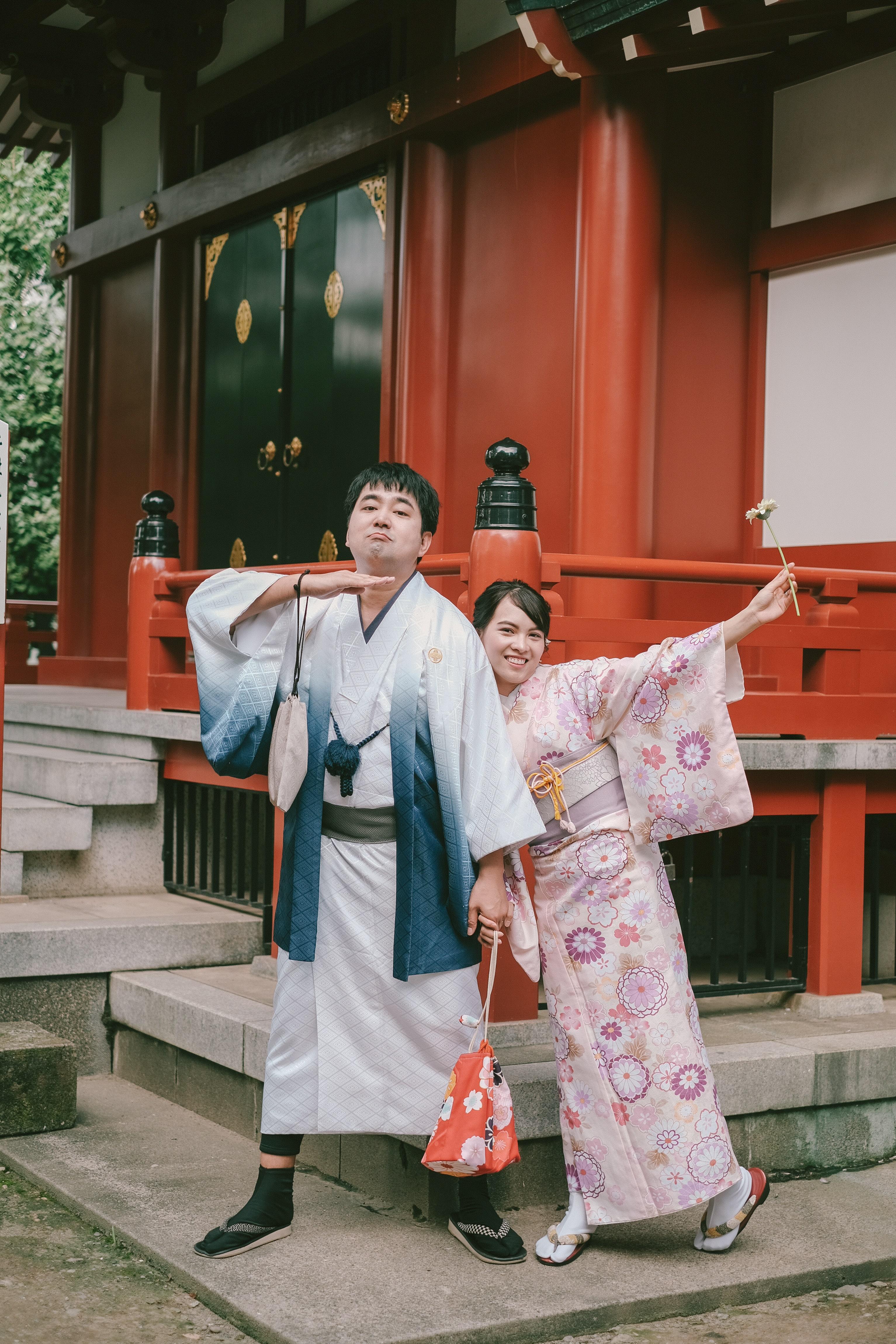 Tham gia đám cưới tập thể, cặp đôi cho biết buổi chụp ảnh rất thú vị, tạo lại cho cặp đôi nhiều cảm xúc đặc biệt như ngày đầu quen nhau.