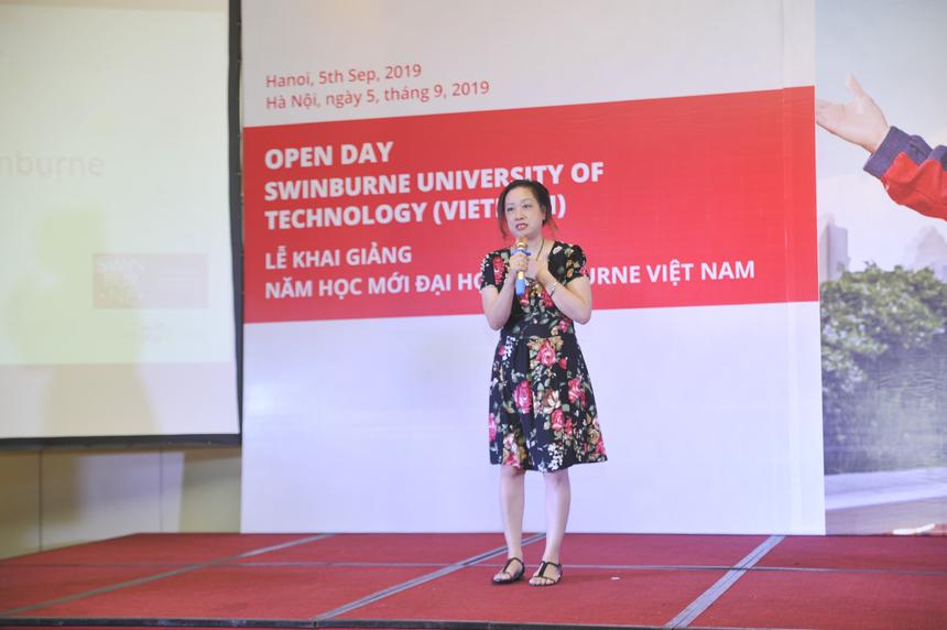 Thay mặt cho các bậc phụ huynh, chị Thúy Anh mong muốn Swinburne Việt Nam sẽ thực sự trở thành mái nhà thứ 2 của sinh viên, để các em yên tâm học tập và thỏa sức sáng tạo.
