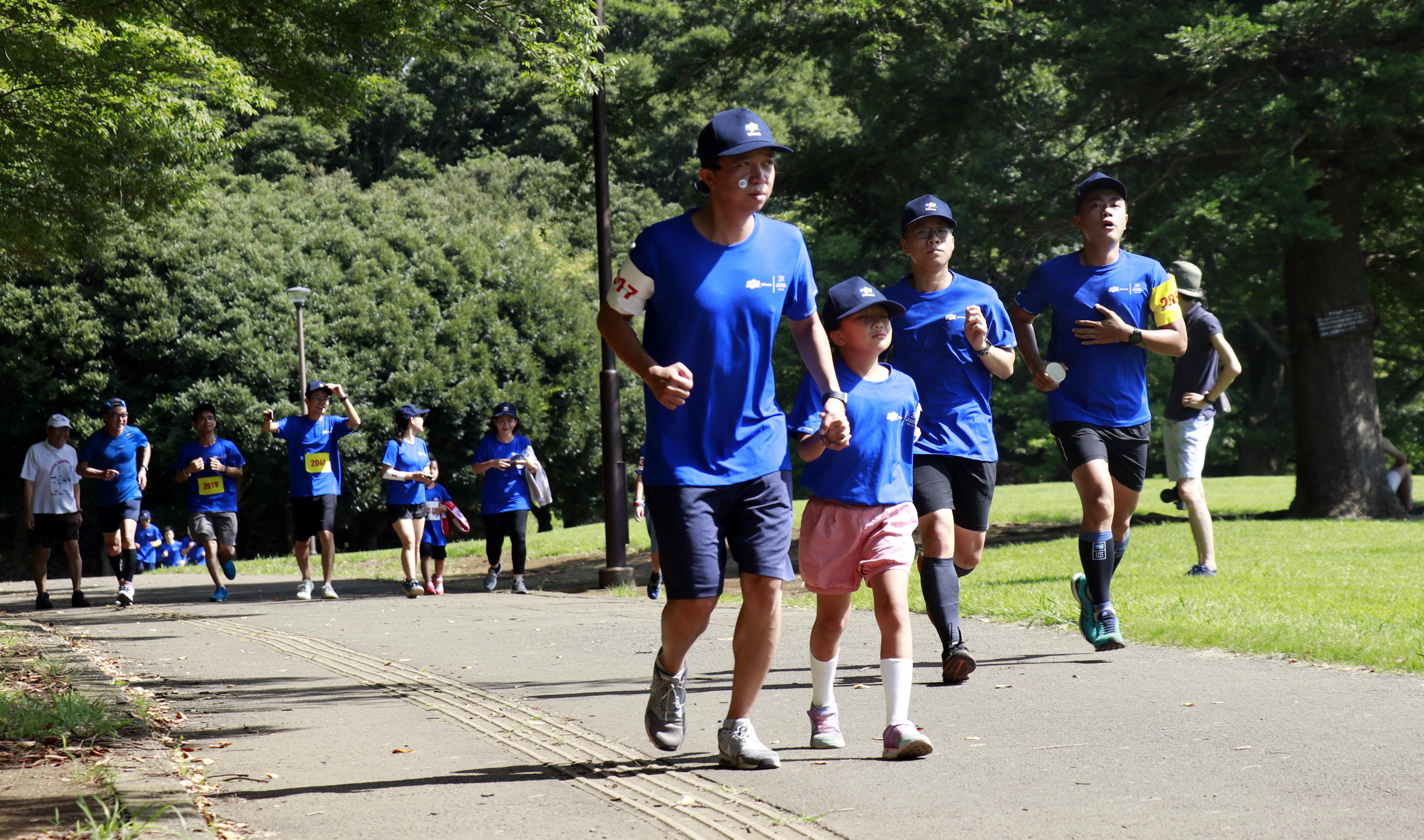 """Giải chạy """"FJP Family Run"""" đã diễn ra vào ngày 7/9 tại Việt Nam, Hàn Quốc và Nhật Bản. Hơn 600 vận động viên (bao gồm là toàn bộ CBNV FPT Japan cùng người thân, bạn bè) đã cùng chung trang phục hoàn thành các cung đường 2km, 3,9km, 5km, 10km, 21km."""