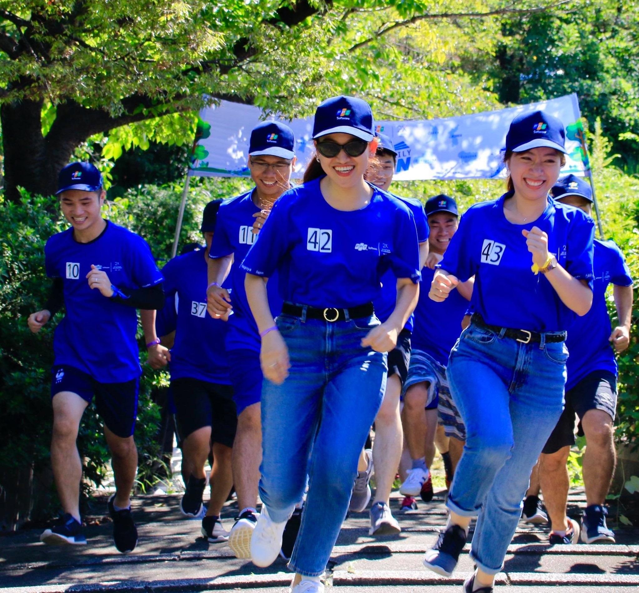 """Trong khi ở FPT Nagoya, hơn 30 vận động viên tham gia chạy """"FJP Family Run""""."""