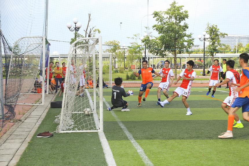 Bên cạnh cuộc đua vô địch, cuộc cạnh tranh cho danh hiệu Vua phá lưới cũng rất hấp dẫn khi ở vòng đấu cuối, cầu thủ Dương Quốc Cường của FPT IS ghi được 6 bàn, trong khi cầu thủ Huỳnh Tấn Thái của FPT Telecom cũng có cho mình 5 bàn thắng.