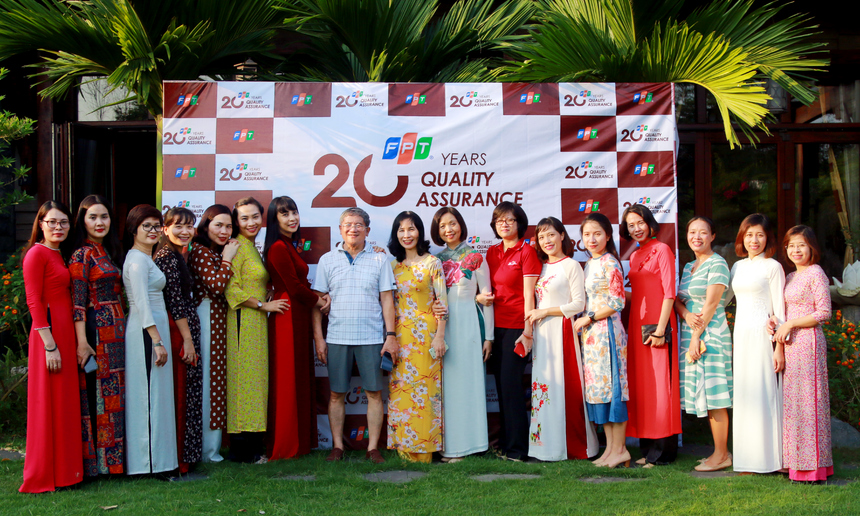Ngày 6/9, nhân dịp kỷ niệm 20 năm ngành dọc chất lượng FPT (9/9/1999 - 9/9/2019), Ban Đảm bảo Chất lượng FPT (FQA) tổ chức chương trình gặp mặt dành cho các cựu QA và quản lý QA FPT qua các thời kỳ tại Khu nghỉ dưỡng Flamingo Đại Lải, Vĩnh Phúc. Chương trình diễn ra với 2 nội dung chính: Chụp ảnh lưu niệm và tiệc liên hoan.
