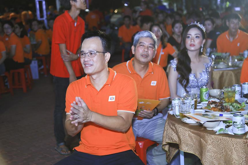 Anh Huỳnh Trọng Nguyễn - CEO Synnex FPT Mekong kiêm Trưởng VPĐD FPT miền Tây vỗ tay không ngớt.