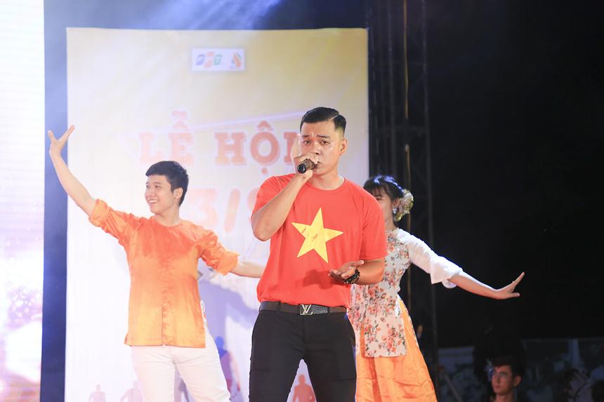 Nhà Hệ thống gửi đến khán giả màn hát múa Bài ca hữu nghị Việt Nam - Campuchia cùng với vũ điệu Apsara của người đồng bào Khmer.