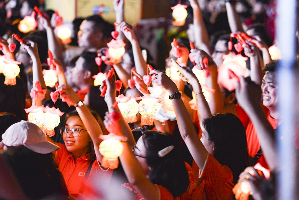 Lễ rước đèn được kỳ vọng lập kỷ lục lễ rước trung thu đôngnhất Việt Nam.