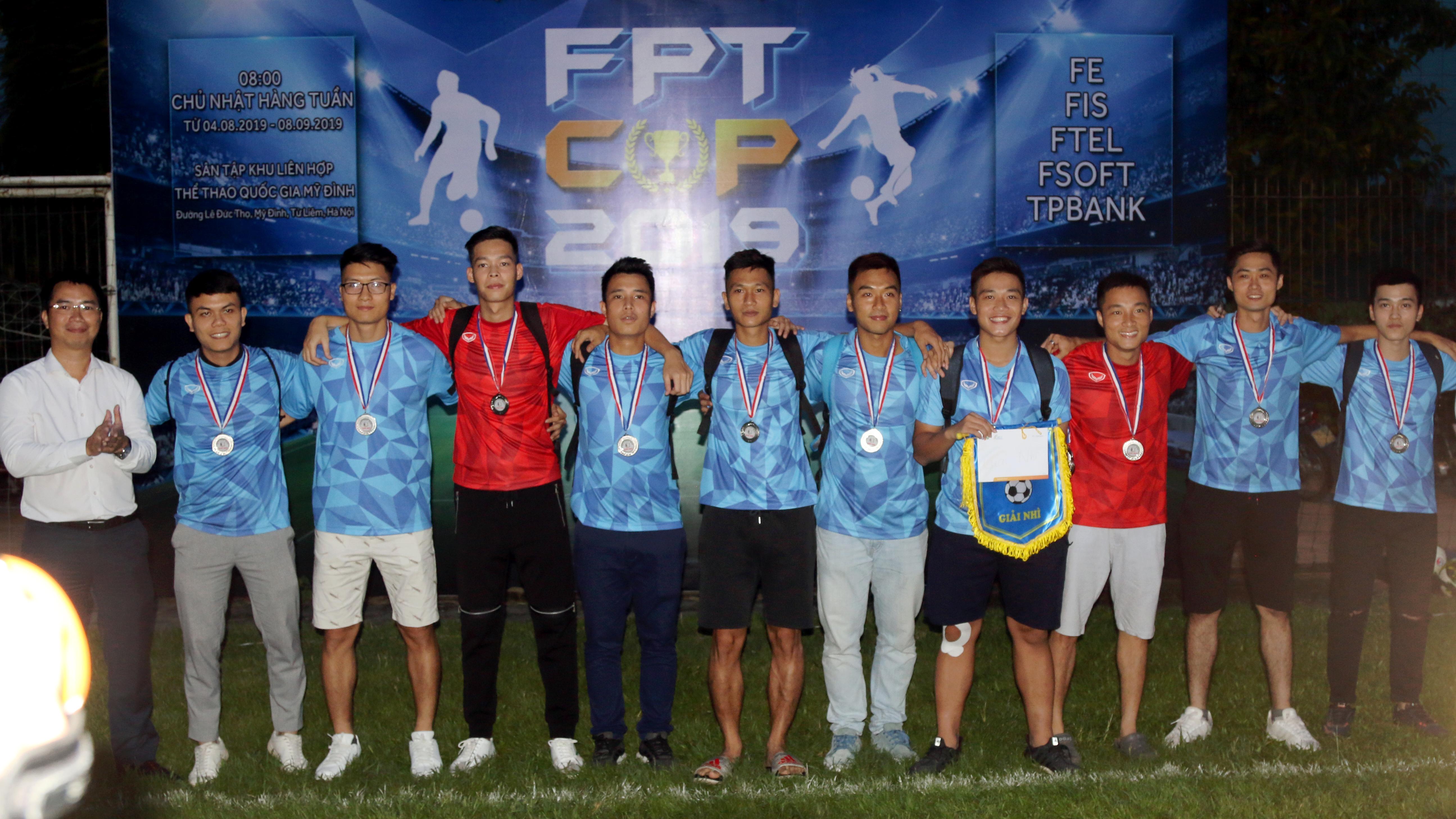 Đội FPT IS có phong độ duy trì khá ổn định khi không để thua trận nào. Tuy nhiên, các cầu thủ nhà Hệ thống đã hoàn thành số lượt trận trước vòng bế mạc và phụ thuộc kết quả của FPT Education và FPT Sofware. Việc nhà Phần mềm bảo vệ thành công ngôi vô địch đã để lại sự tiếc nuối cho các cầu thủ nhà Hệ thống. FPT IS giành giải Nhì chung cuộc (phần thưởng gồm cờ lưu niệm, huy chương Bạc và 5 triệu đồng tiền thưởng). Bên cạnh đó, đội cổ vũ và sự quan tâm của lãnh đạo đơn vị cũng là một điểm nhấn khi số lượng cổ động viên luôn áp đảo và thường xuyên có lãnh đạo cấp cao ra sân cổ vũ.