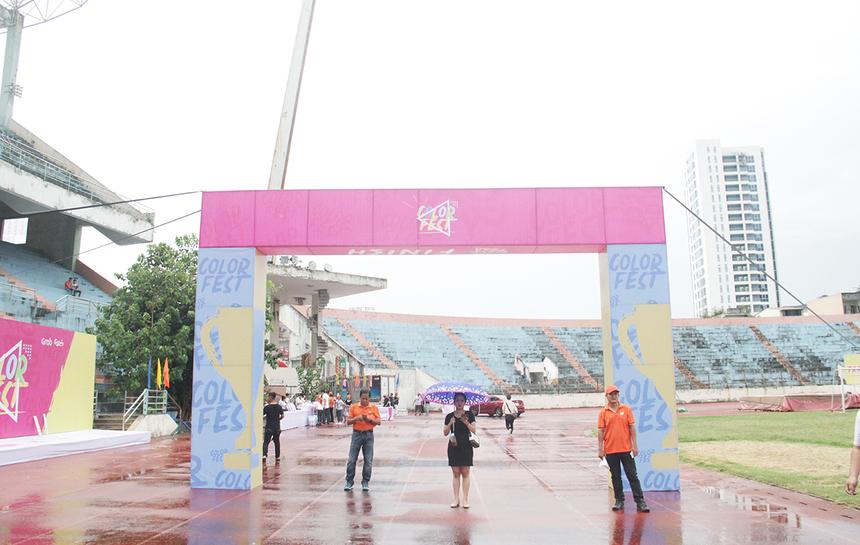 Trưa nay (13/9), Đà Nẵng có mưa to khiến công tác chuẩn bị lễ hội 13/9 khu vực miền Trung gặp nhiều khó khăn. Ban tổ chức phải huy động tối đa nguồn lực cũng như liên tục cập nhật tình hình để có phương án phù hợp nhất.