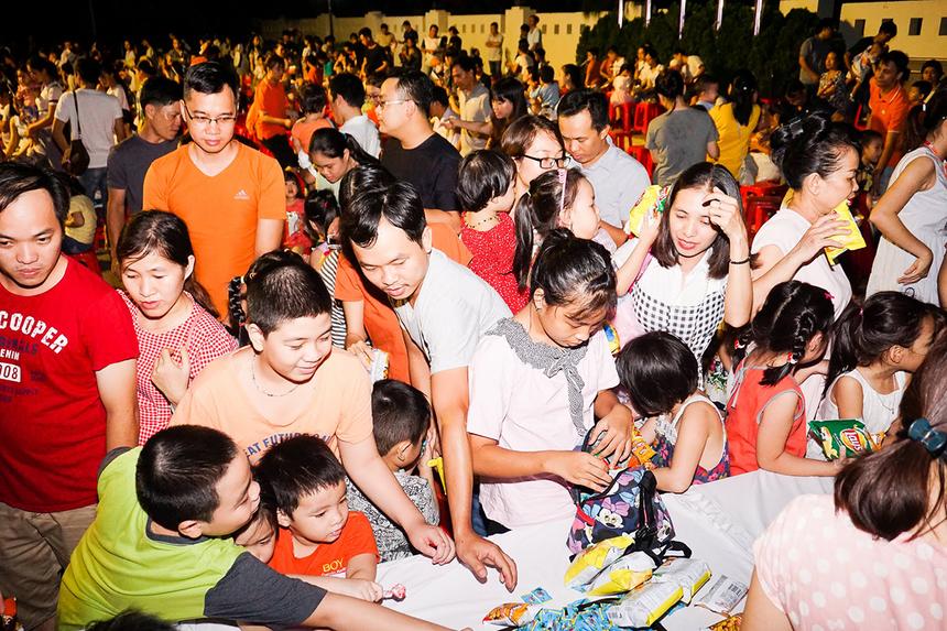 Người FPT tại Đà Nẵng không chỉ tái dựng những nét đẹp của Trung thu truyền thống, mà còn mang tới mùa thu của sự kết nối, đoàn viên, sẻ chia, tương thân tương ái...