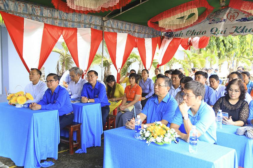 Cầu Hy Vọng 50 (Đòn Dông H1-H2) là cây cầu có quy mô lớn nhất từ trước đến nay với tổng kinh phí lên đến hơn 1,2 tỷ đồng với sự chung tay của Quỹ Hy vọng, bà con nhân dân xã Thạnh An và Hội đồng giáo xứ Hiếu Thuận, Hiếu Hiệp.