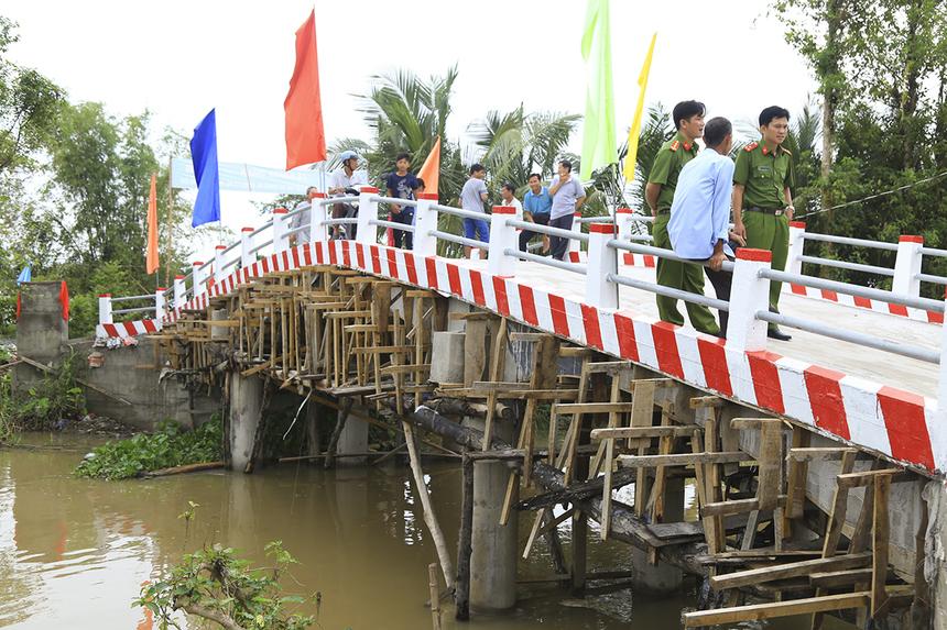 Được khánh thành muộn nhất trong đợt này dù vẫn chưa hoàn thành toàn bộ các hạng mục nhưng cầu Hy Vọng 36 (kênh Đập Đá) trên địa bàn xã Trung AN (huyện Cờ Đỏ) bước đầu đã có thể đưa vào sử dụng.