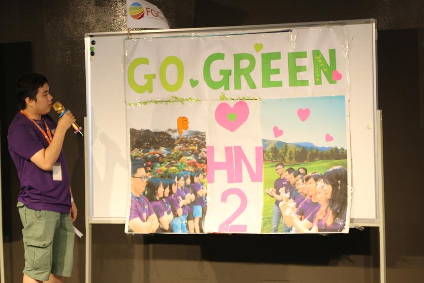 Lấy ý tưởng từ việc bảo vệ môi trường sống xanh, các thành viên đã có màn thể hiện về ý tưởng khi sử dụng các vật liệu từ giấy, bao nilon, ống hút… vốn là những vật dụng bị sử dụng tràn lan trong đời sống thường nhật. Nhóm gửi gắm thông điệp mong mọi người sử dụng có ý thức với các vật liệu sử dụng một lần. Các thành viên trình bày luôn nhận được những tràng vỗ tay không ngớt từ khán phòng.
