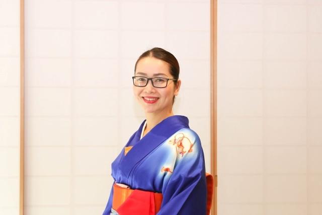 Chị Thanh Mai cho biết, khóa học trà đạo là ý tưởng của Chủ tịch Trương Gia Bình, với mong muốn giúp các CBNV rèn luyện được sự kiên nhẫn, tỉ mỉ, đức tính kiên trì đồng thời đây cũng là một cách để chúng ta tìm hiểu về văn hóa Nhật Bản.