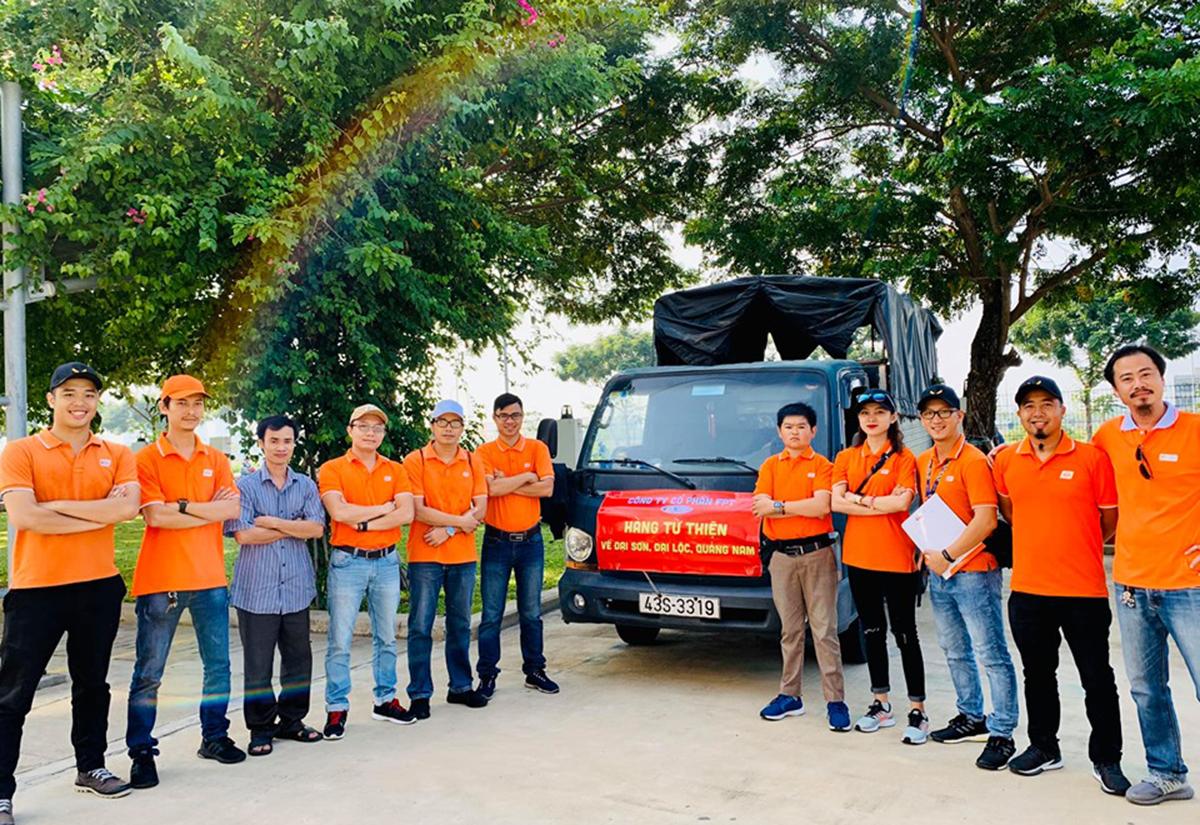 Sáng ngày 3/10, đoàn thiện nguyện FPT Software Đà Nẵng đã khởi hành chương trình thiện nguyện về trường Tiểu học - Trung học Đại Sơn, xã Đại Sơn, huyện Đại Lộc, tỉnh Quảng Nam. Hoạt động nằm trong chuỗi chương trình Hướng về quê hương do Quỹ người FPT vì cộng đồng phát động.
